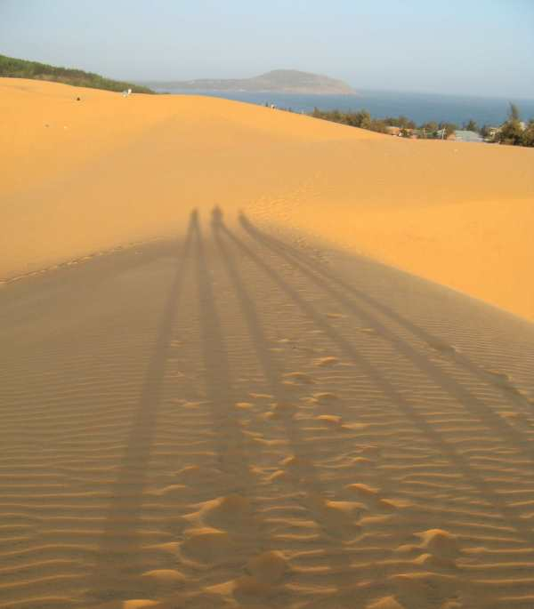 More shadows on the dunes, Mui Ne