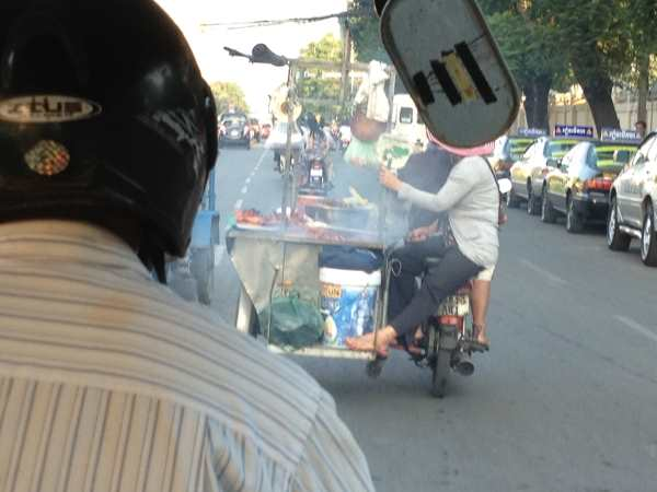 Street food on the go in Phnom Penh