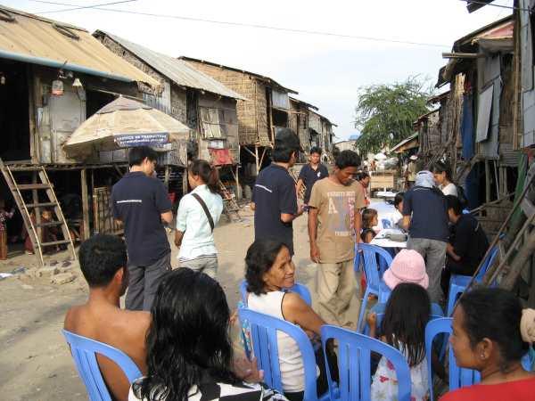 Mobile medical clinic in Phnom Pehn slum community